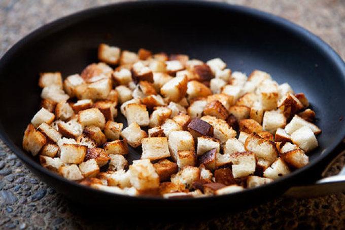 Как из хлеба сделать сухарики на сковороде 868